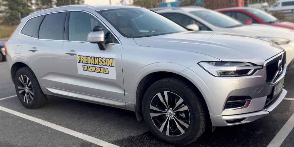 Körkort med Fredansson Körskola